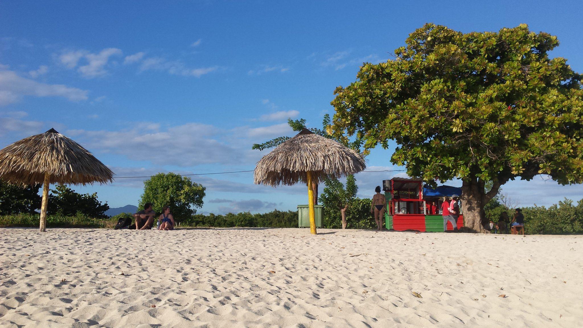 Img post Qué ver en Trinidad. Playa Ancón 4 - Pasaporte y Millas