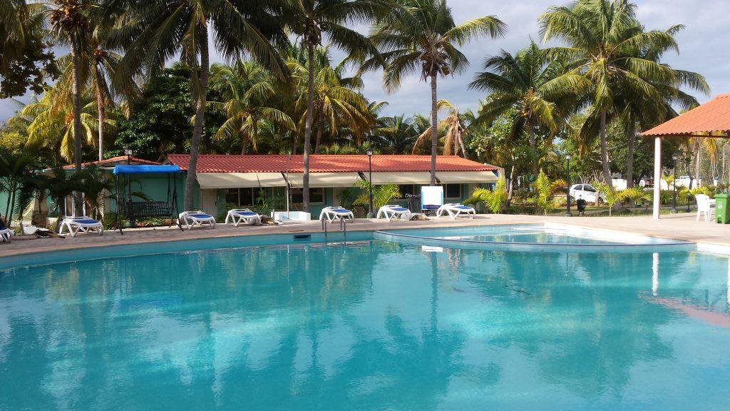 Img post Cayo Coco y Cayo Guillermo. Piscina Villa Gregorio. Las mejores playas de Cuba - Pasaporte y Millas