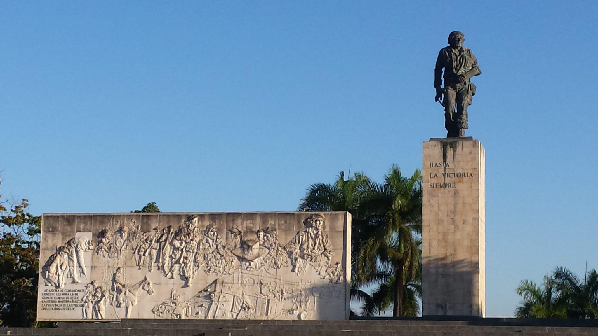 Img post Santa Clara, la ciudad del Che. Mausoleo - Pasaporte y Millas