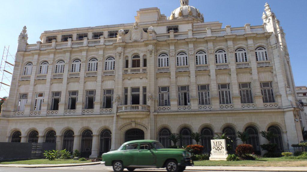 Img post La Habana en 3 días. Museo de la Revolución - Pasaporte y Millas