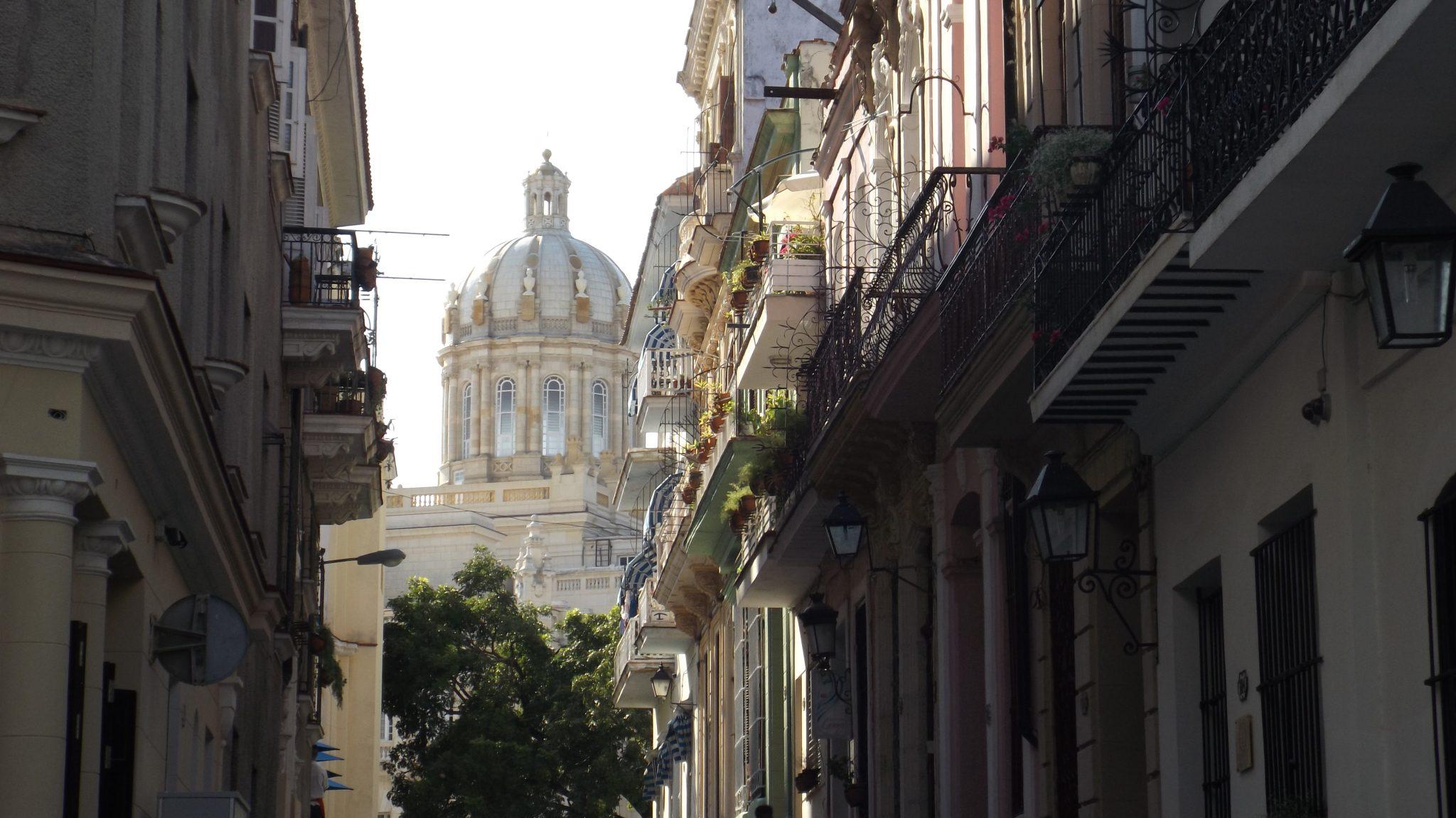 Img post Qué saber antes de ir a Cuba - Pasaporte y Millas
