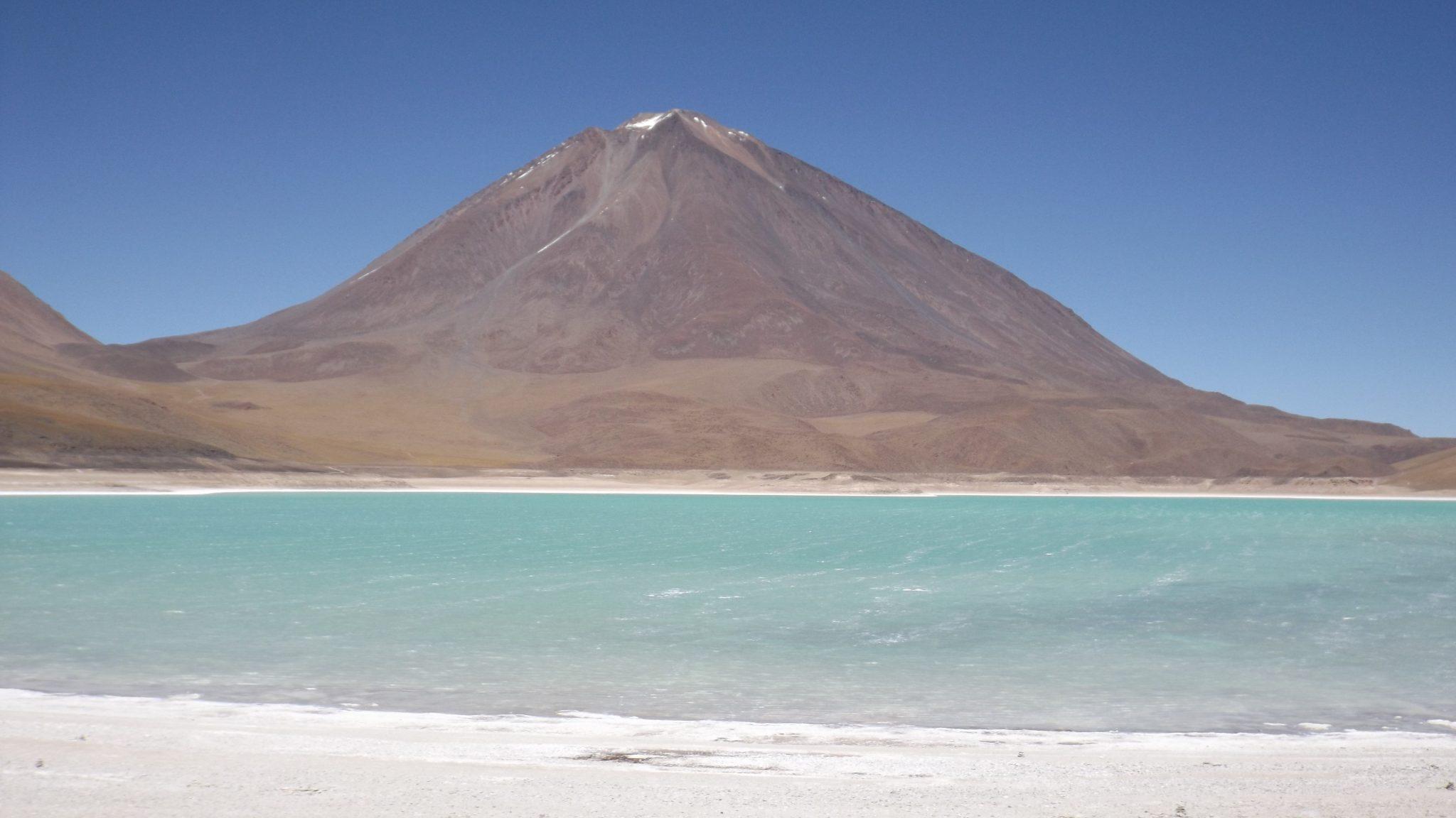 Img post 2.laguna verde como llegar al Salar de Uyuni -Pasaporte y Millas