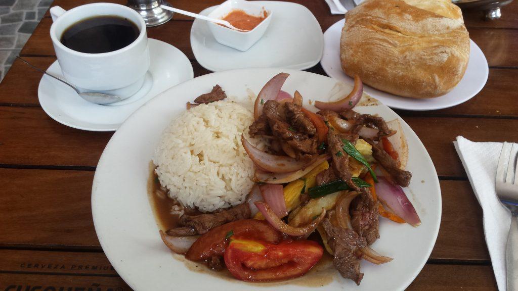 Imagen post donde comer en Lima en un día y medio- Restaurante Usquilano. Lomo Saltado