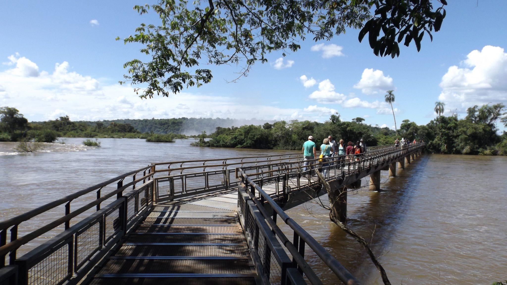 Img post Pasarelas hacia la Garganta del Diablo Iguazú. Pasaporte y Millas