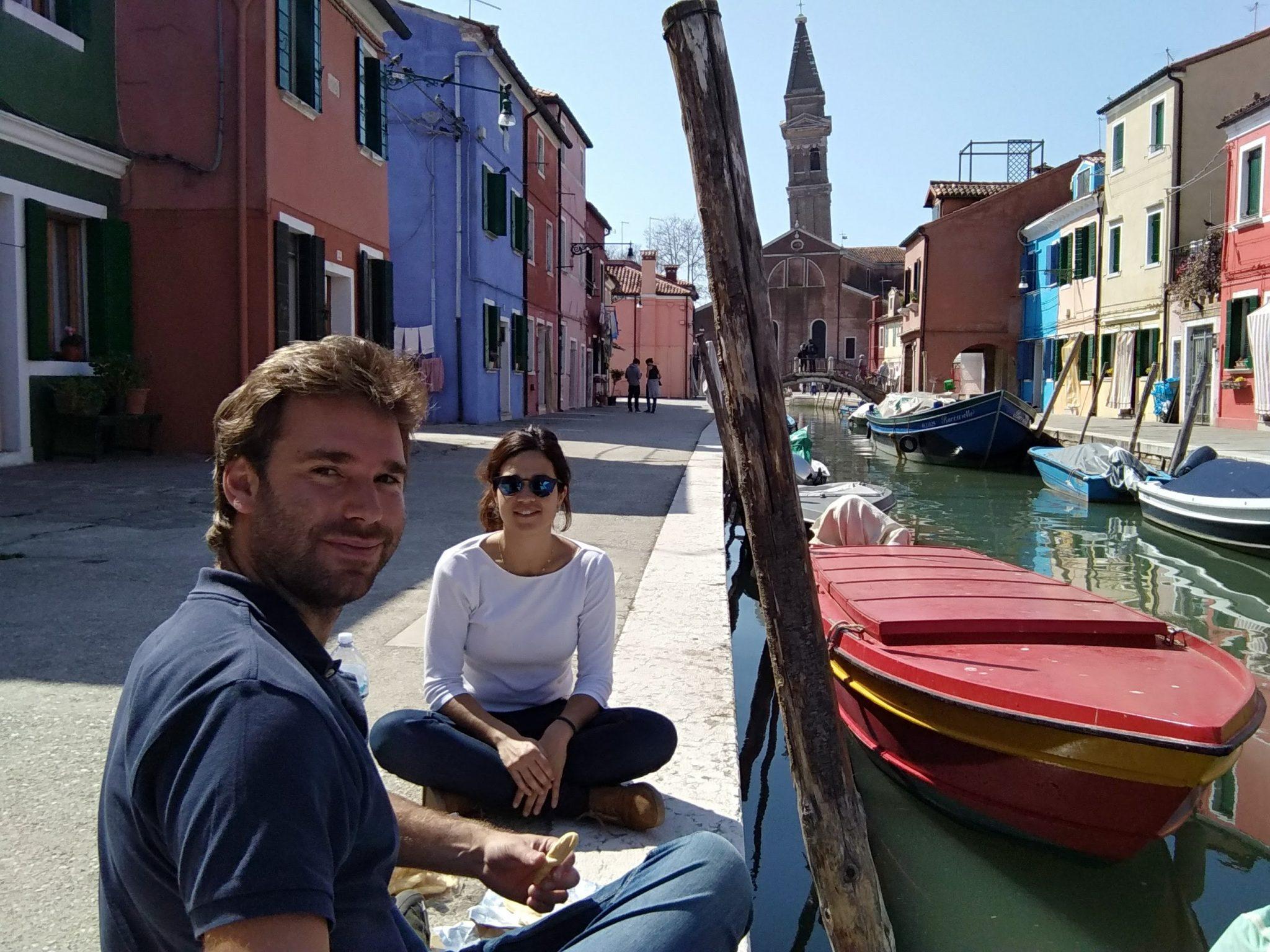 Img post Burano desde Venecia. Comiendo en el canal - Pasaporte y Millas