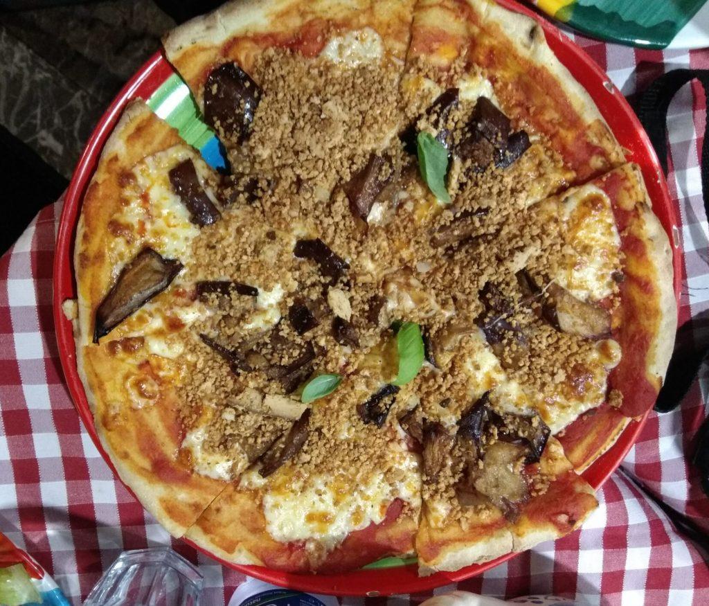 Img post Pizza con berenjena. Comer en Taormina - Pasaporte y Millas