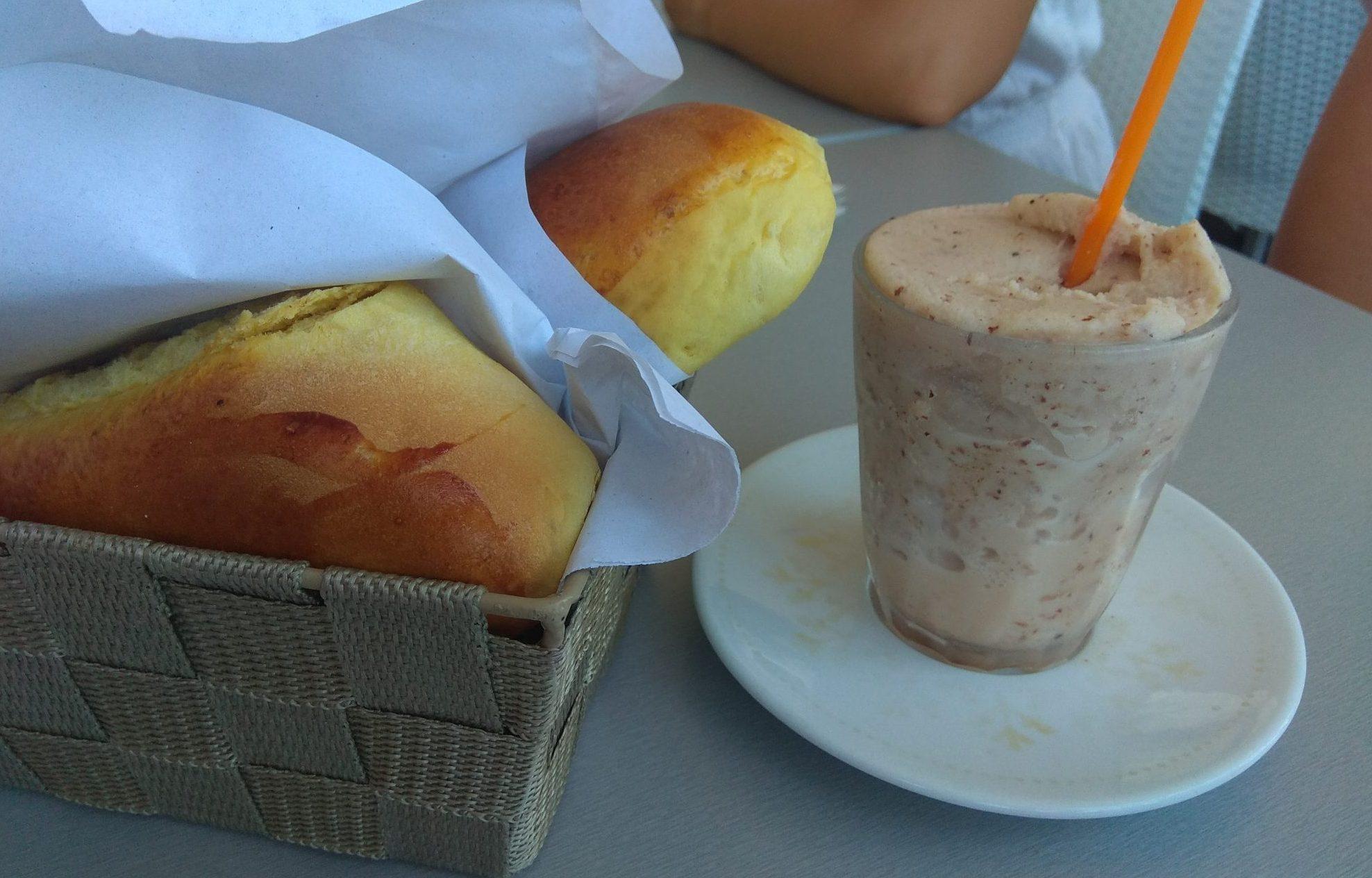 Img post Desayuno granita de mandorla y brioche. Comer en Sicilia- Pasaporte y Millas