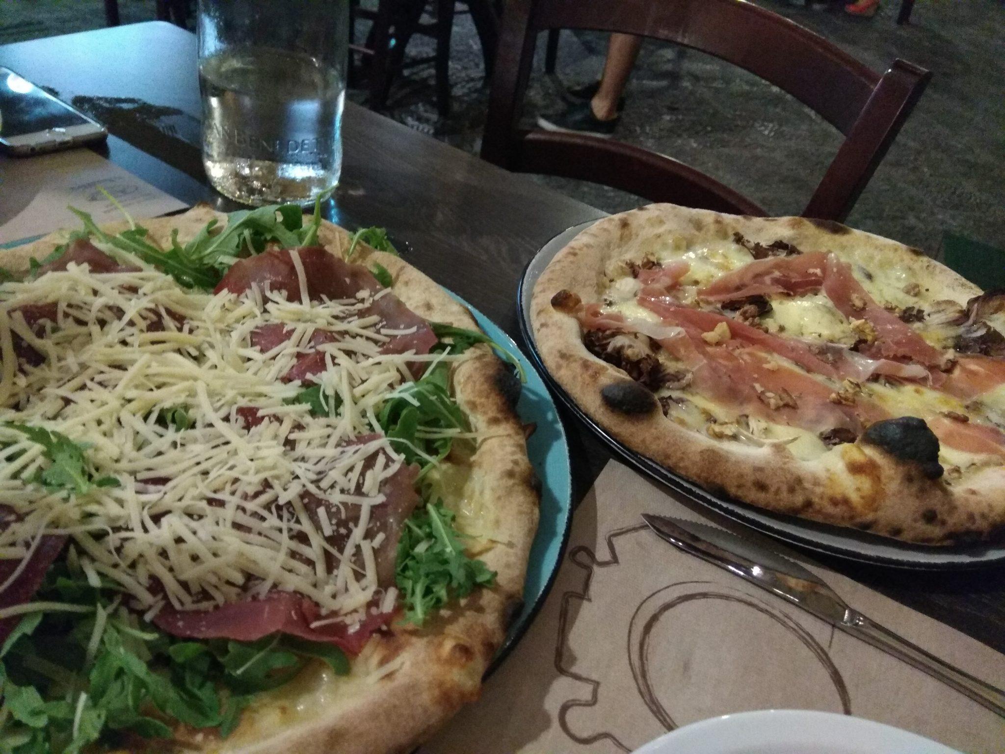 Img post Pizzas en Catania. Comer en Catania - Pasaporte y Millas