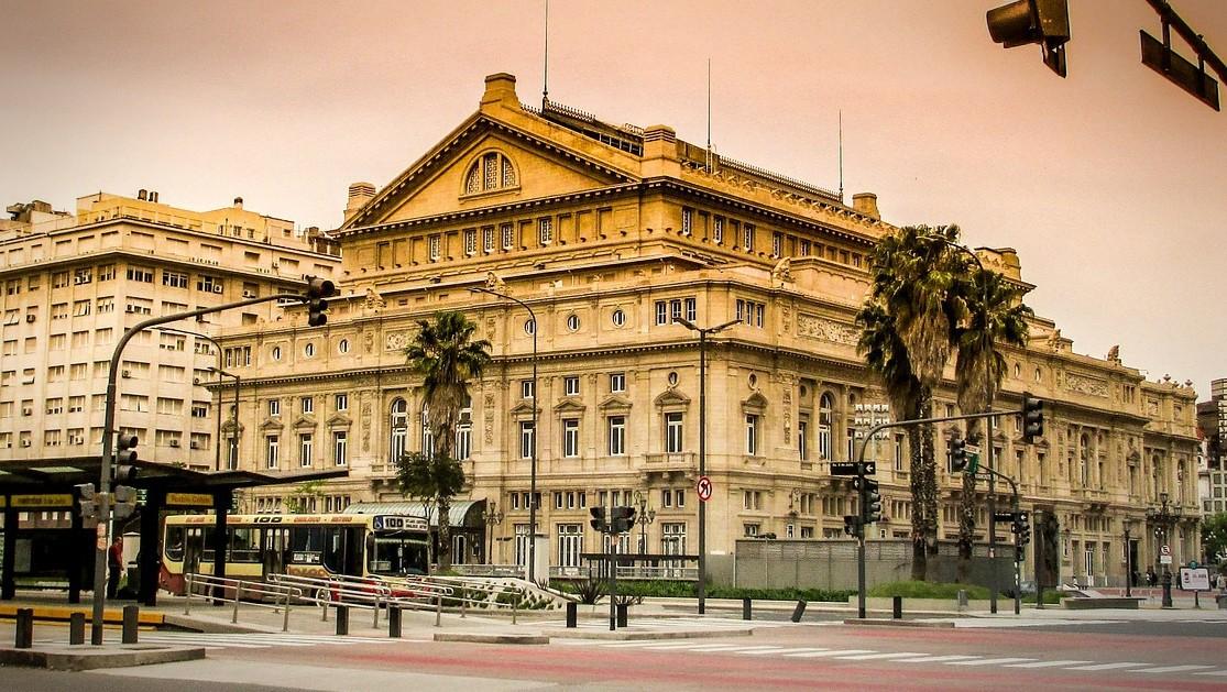 Img post Tres días en Buenos Aires. Teatro Colón - Pasaporte y Millas