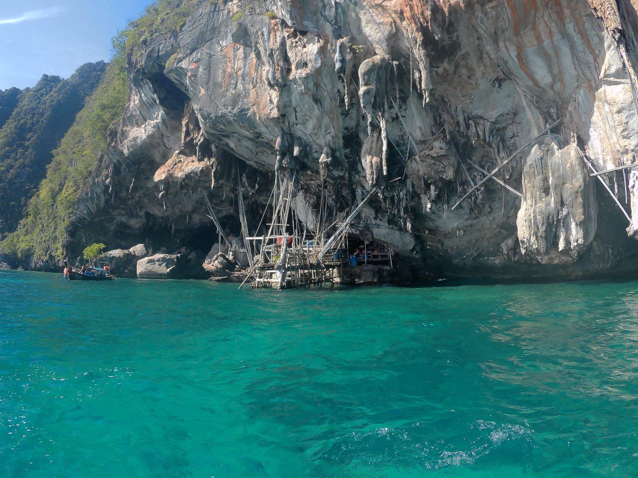Img post Phuket o Krabi. Viking Cave en Phi Phi - Pasaporte y Millas