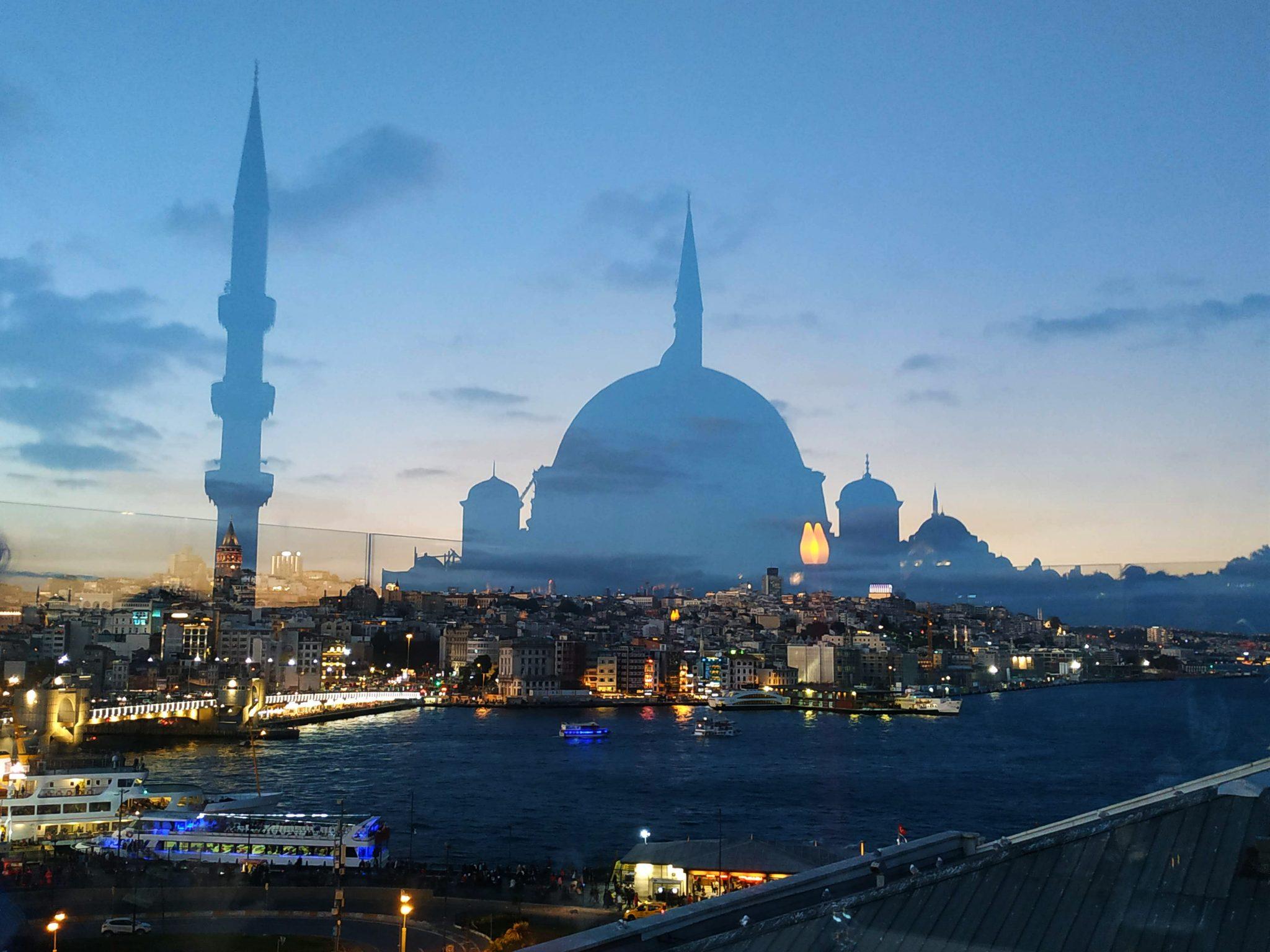 Imagen post Cuatro días en Estambul. Terraza Sultanahmet - Pasaporte y Millas